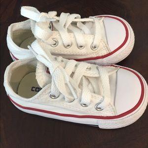 Infant Converse size 5